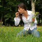 devojka-na-livadi-380x230
